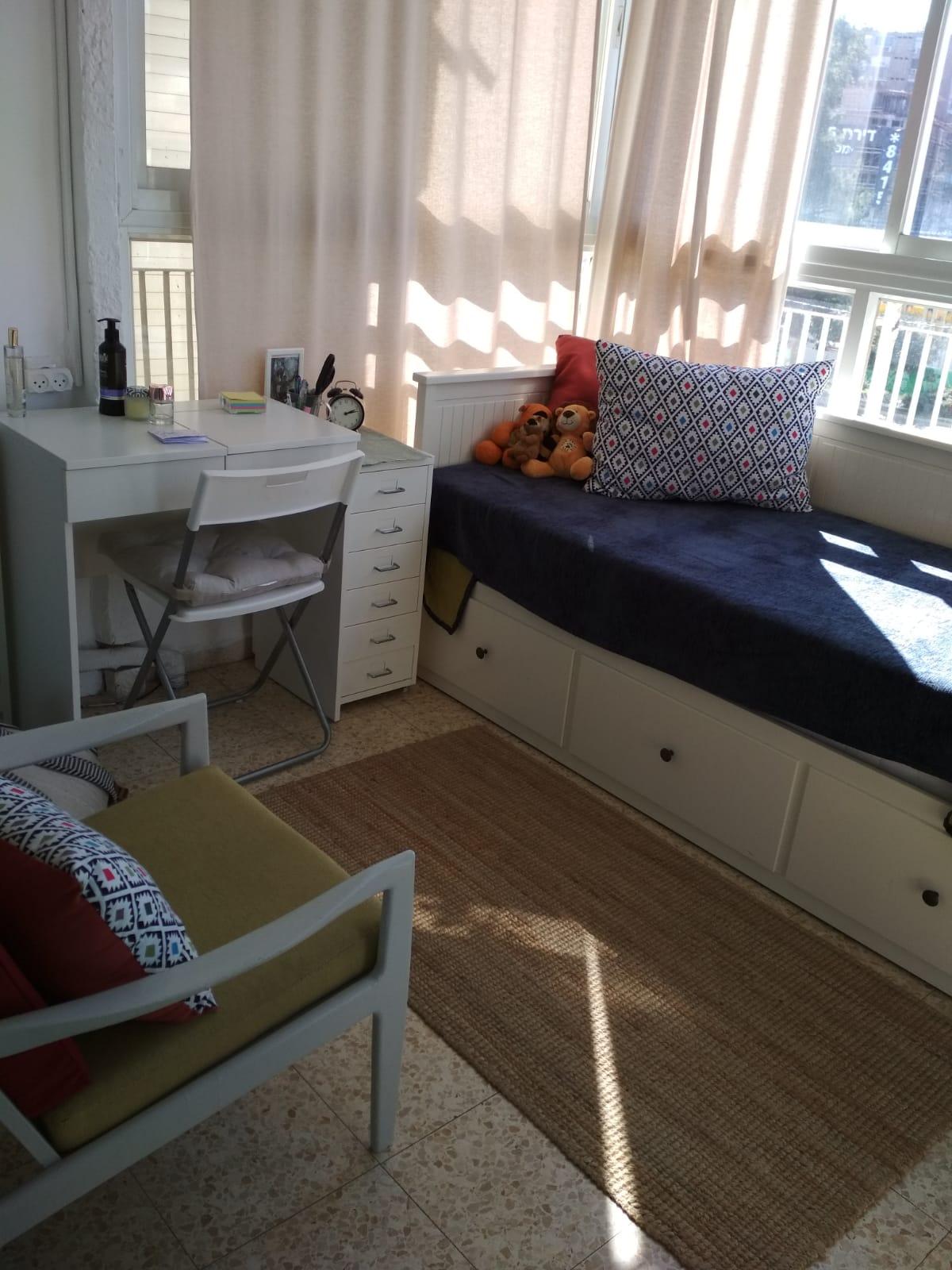 דירת 3 וחצי חדרים מרווחת. קומה 1 בשכונת רסקו